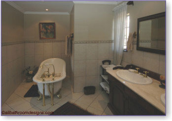 colonial style bathrooms