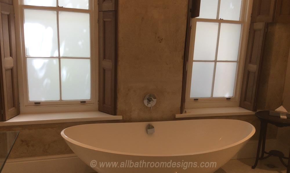 tub and windows